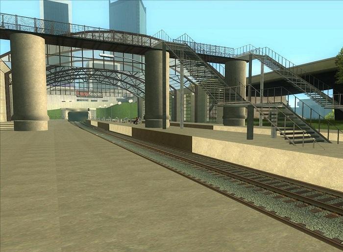 Масштабный мост через пути и удлиненная платформа